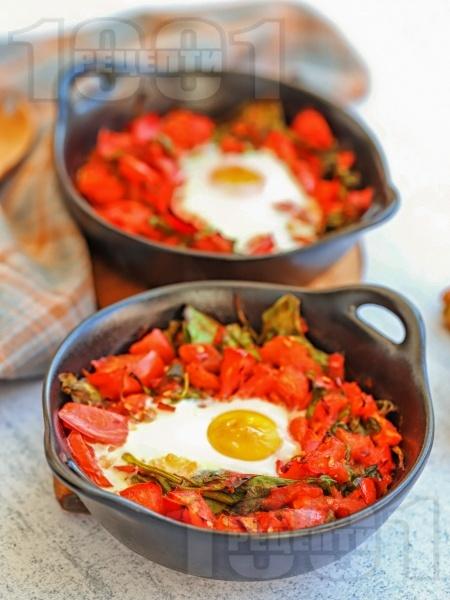 Печени гнезда с яйца, бейби спанак и домати на фурна - снимка на рецептата